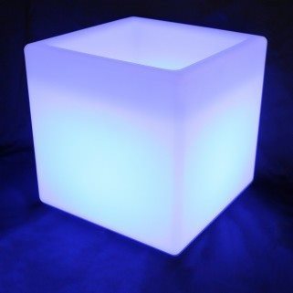 Cubo luminoso hueco